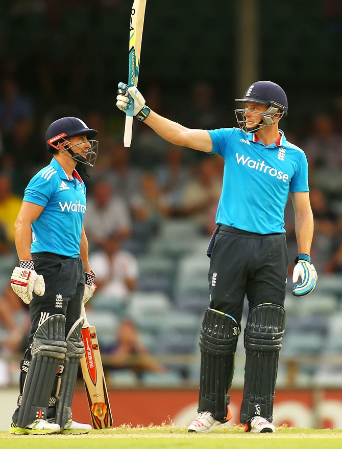 Rediff Sports - Cricket, Indian hockey, Tennis, Football, Chess, Golf - Tri-Series PHOTOS: Taylor-made victory for England!