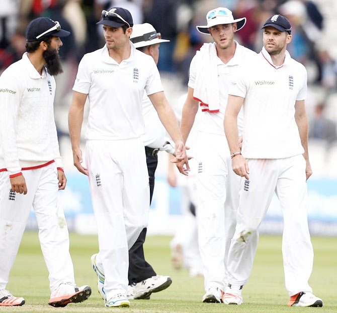 Rediff Cricket - Indian cricket - Botham wants to see sporting wickets in Ashes series