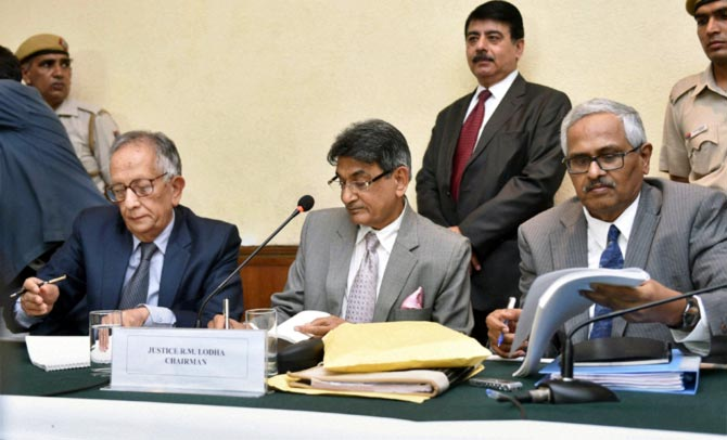 Justice R M Lodha, chairman of the Supreme Court-appointed Lodha Committee (centre), member Justice Ashok Bhan (left) and Justice RV Raveendran at the announcement of their verdict on the Indian Premier League spot-fixing scandal