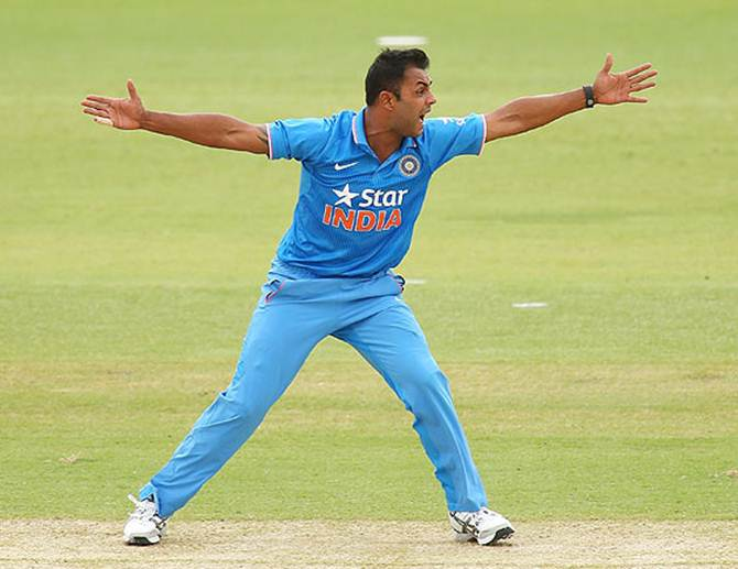 Rediff Cricket - Indian cricket - Stuart Binny is MVP of Zimbabwe ODI series