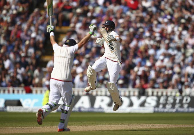 Rediff Sports - Cricket, Indian hockey, Tennis, Football, Chess, Golf - Edgbaston Test: England thrash Australia, go 2-1 up in Ashes series