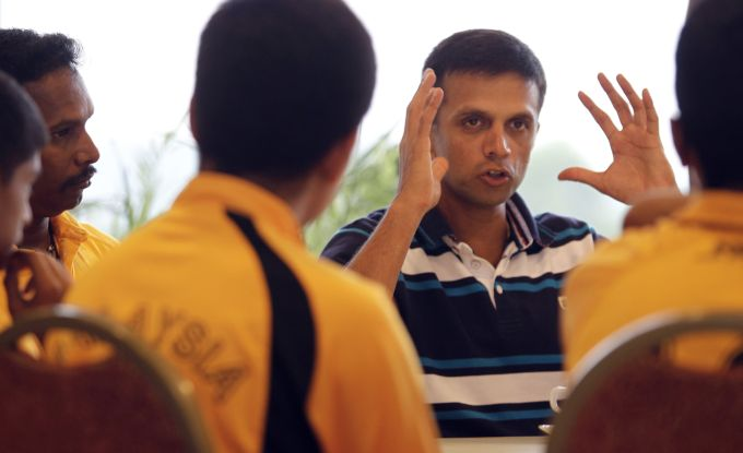 Rediff Sports - Cricket, Indian hockey, Tennis, Football, Chess, Golf - Thakur tightlipped about Dravid's role