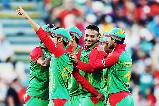 Rediff Sports - Cricket, Indian hockey, Tennis, Football, Chess, Golf - ICC ODI rankings: Bangladesh's Shakib is all-rounder No 1
