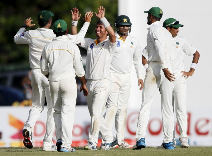 Azhar Ali gets back to back wickets to put Pakistan on top