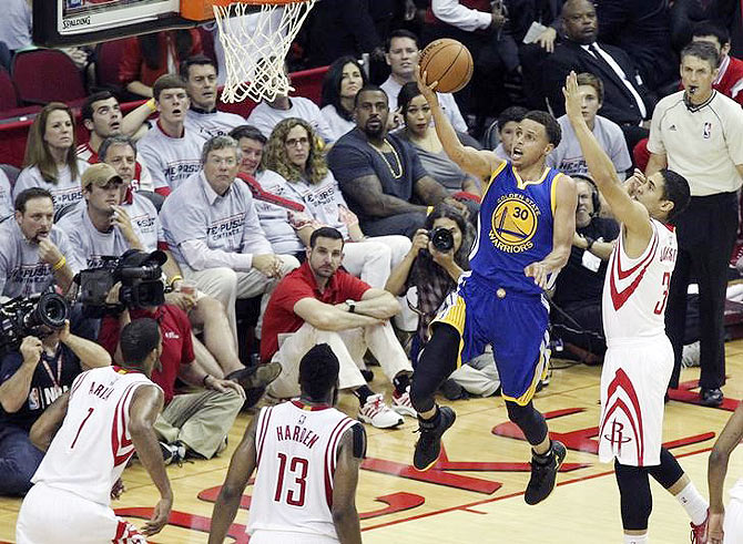 Rediff Sports - Cricket, Indian hockey, Tennis, Football, Chess, Golf - NBA: Warriors take 3-0 lead over Rockets in Western finals