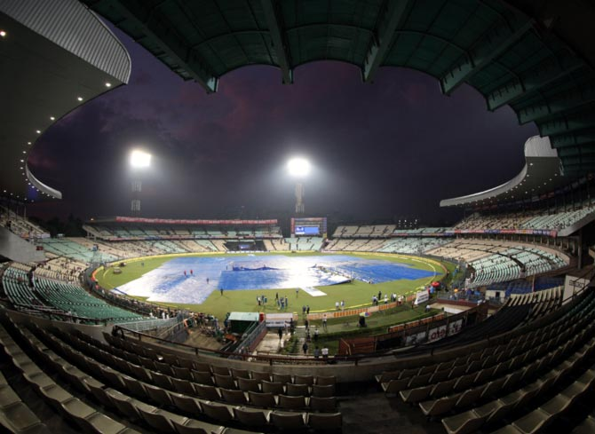 Rediff Sports - Cricket, Indian hockey, Tennis, Football, Chess, Golf - Kolkata T20 called off due to wet outfield; SA win series 2-0