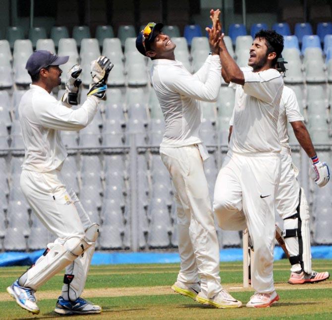 Rediff Sports - Cricket, Indian hockey, Tennis, Football, Chess, Golf - Mumbai pacers Thakur, Sandhu dismiss Punjab cheaply