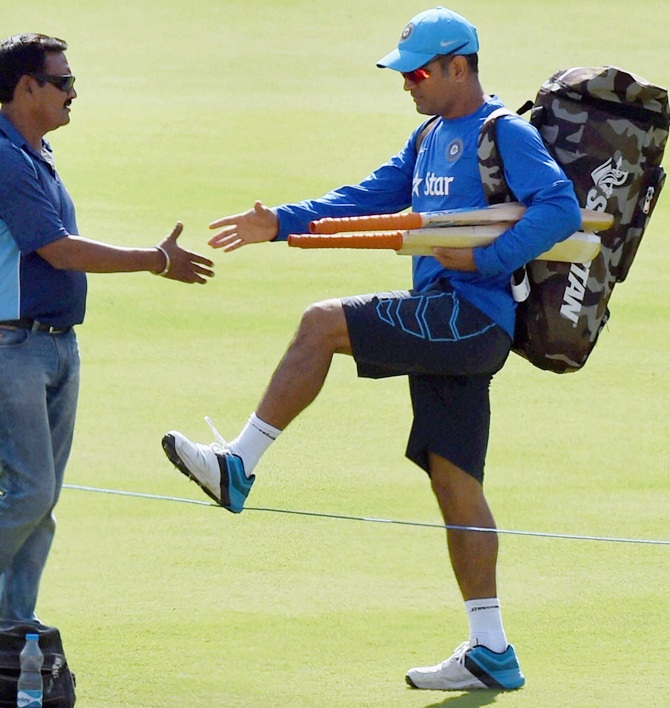 Rediff Cricket - Indian cricket - 2nd ODI: 'Captain Cool' Dhoni faces the heat...