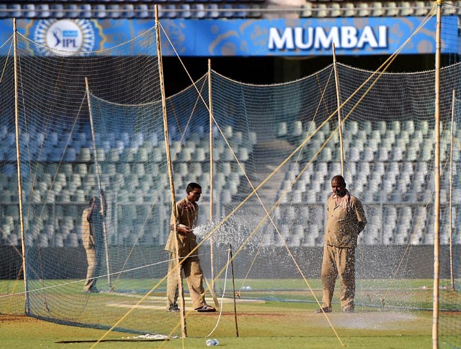 Rediff Sports - Cricket, Indian hockey, Tennis, Football, Chess, Golf - Misuse of water during IPL once again haunts BCCI