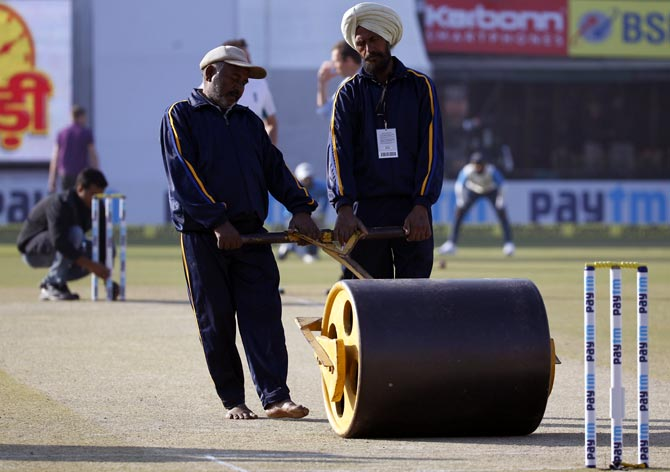 Rediff Sports - Cricket, Indian hockey, Tennis, Football, Chess, Golf - 'Wankhede pitch will be a slower turner, will spin from Day 3'