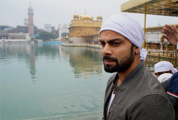 Virat Kohli paying obeisance at Golden Temple in Amritsar