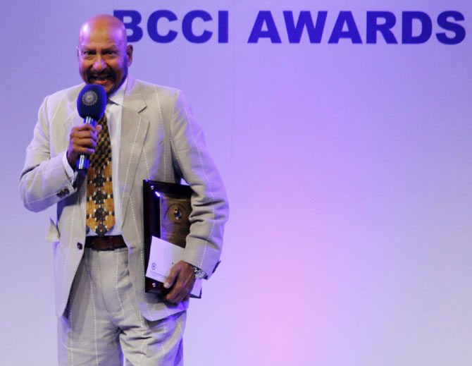 Syed Kirmani captured the audience's attention after receiving his award