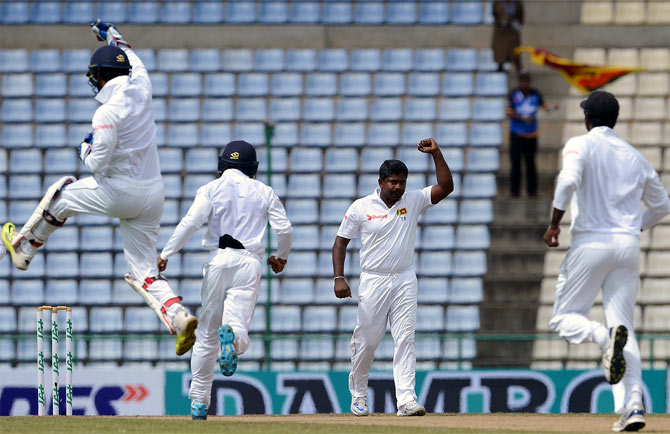Rediff Sports - Cricket, Indian hockey, Tennis, Football, Chess, Golf - PHOTOS: Australia grab handy lead on rain-hit Day 2