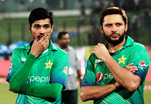 Pakistan duo of Mohammad Amir and Shahid Afridi after the defeat