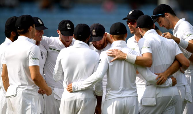 England captain Alastair Cook speaks to his team