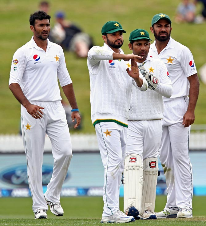 Rediff Cricket - Indian cricket - DRS controversy clouds rain-affected Day 1 of NZ vs Pak Test