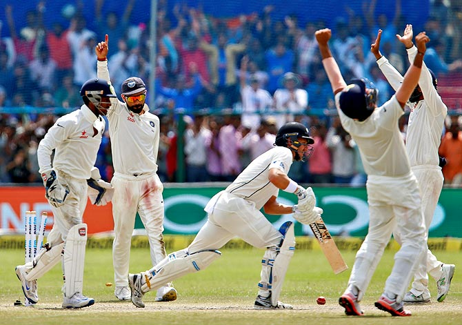 India wins the first Test in Kanpur after Trent Boult's dismissal