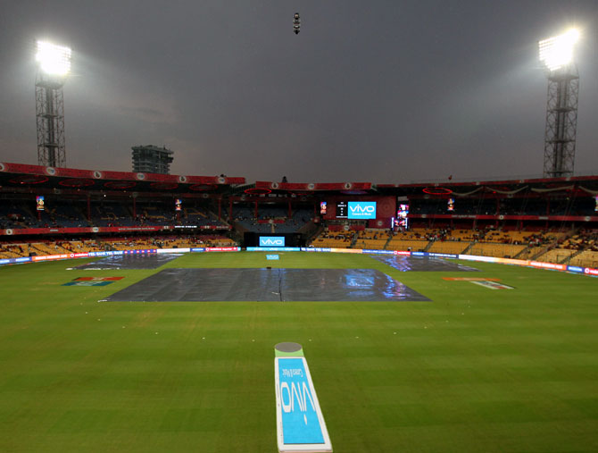 Rediff Cricket - Indian cricket - RCB vs Sunrisers IPL match called off due to rain