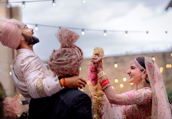 11virat anu - Virushka wedding photos: Virat and Anushka are now official!