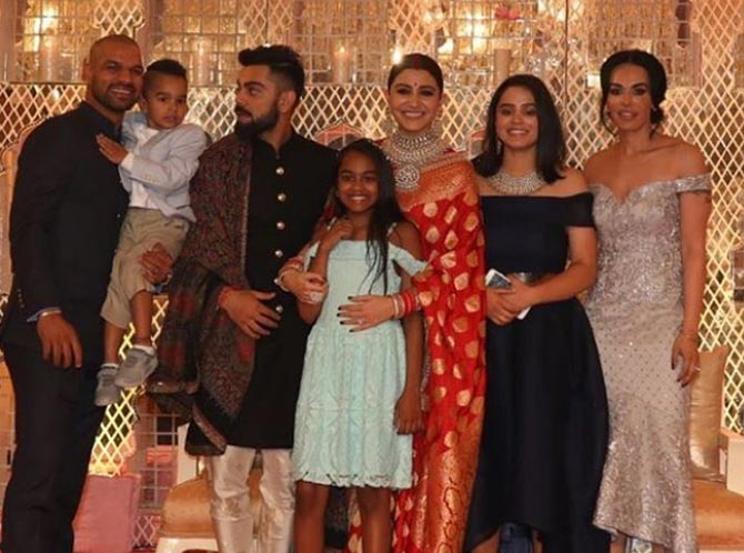Photos Pm Modi Team Mates Grace Virushkas Wedding Reception