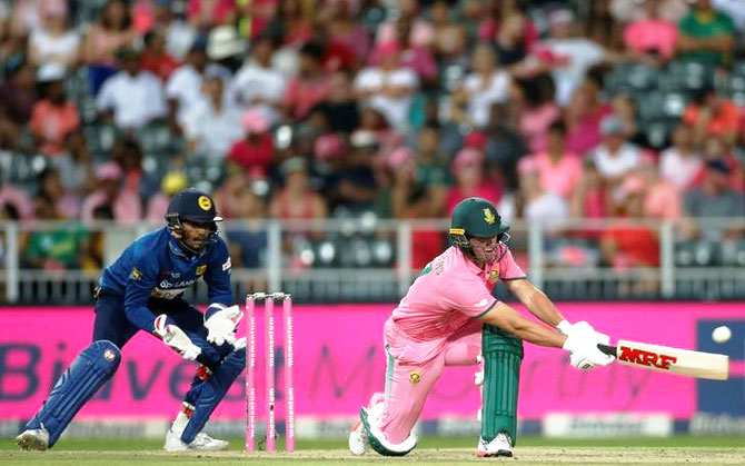 Rediff Cricket - Indian cricket - De Villiers steers Proteas to series win over Lanka