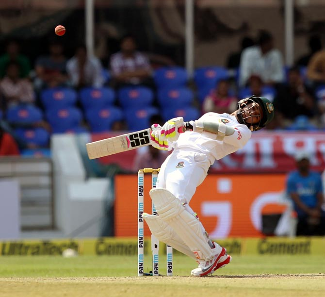 Rediff Cricket - Indian cricket - Stats: INTERESTING numbers from Hyderabad Test, Day 3