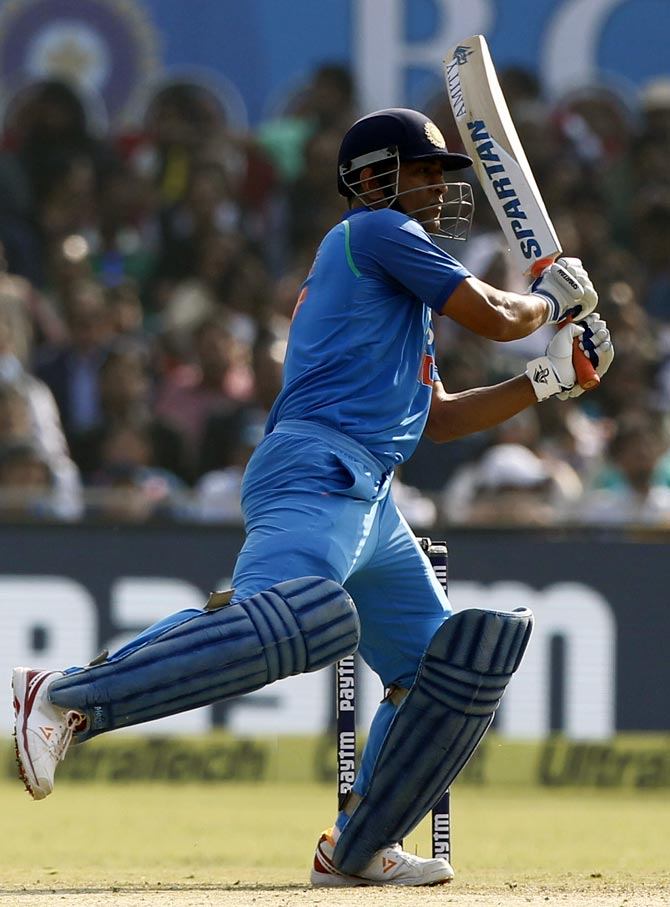 Rediff Cricket - Indian cricket - Numbers Game: MS Dhoni, the King of Sixes!