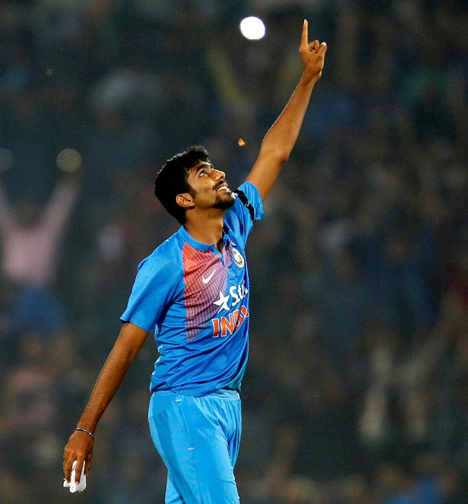 Rediff Cricket - Indian cricket - Bumrah's heroics: Best final T20Is overs