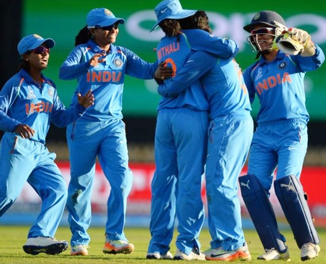 Rediff Sports - Cricket, Indian hockey, Tennis, Football, Chess, Golf - Indian women's cricket team eyes slice of history, glory