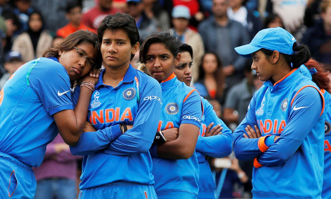 Rediff Sports - Cricket, Indian hockey, Tennis, Football, Chess, Golf - Women's World Cup final: What went wrong for India