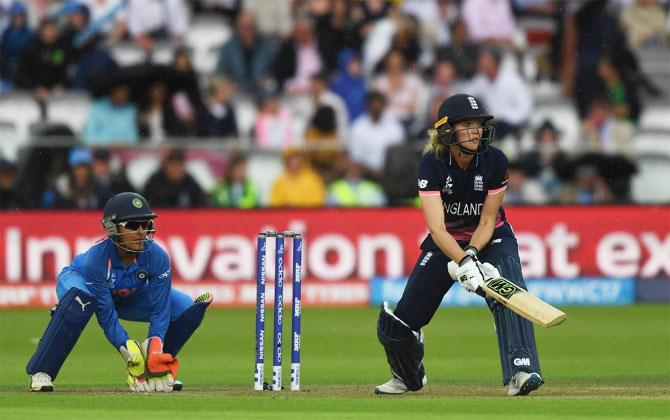 Sarah Taylor gets innovative during her handy innings of 45