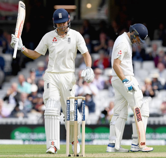 Rediff Sports - Cricket, Indian hockey, Tennis, Football, Chess, Golf - Cook stands firm for England in 100th Oval Test