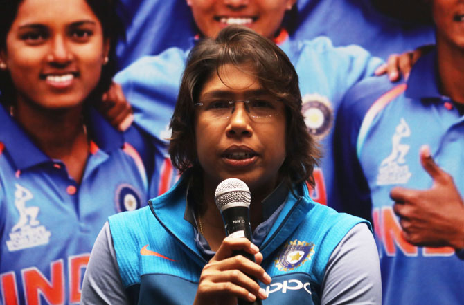 Rediff Sports - Cricket, Indian hockey, Tennis, Football, Chess, Golf - Cricket Buzz: Jhulan Goswami back for T20s after injury lay-off