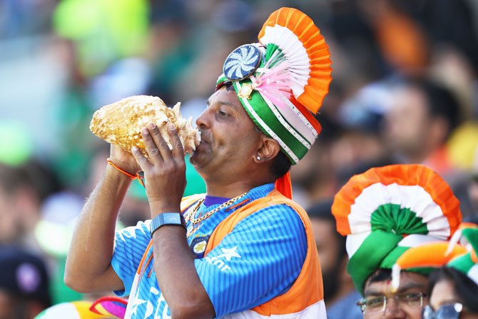 'Make some noise for the desi boys' seems like this fan's mantra for the evening