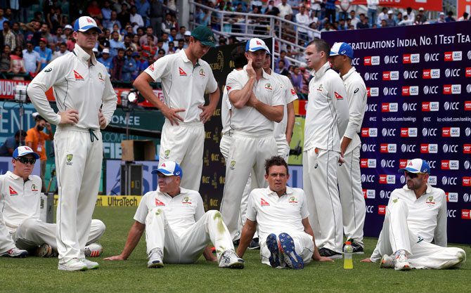 Rediff Cricket - Indian cricket - Have let my emotions slip, I apologise: Smith