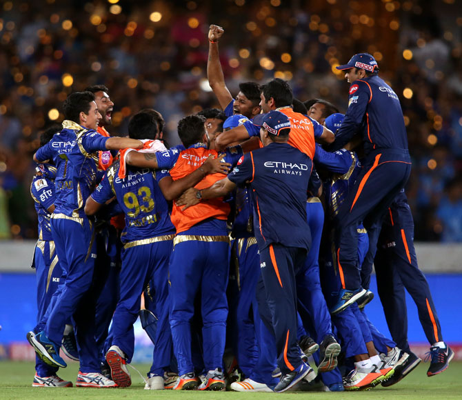 Rediff Sports - Cricket, Indian hockey, Tennis, Football, Chess, Golf - PHOTOS: Last-ball win gives Mumbai Indians 3rd IPL title