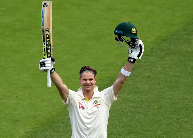 After scoring a century in the first Ashes Test at The Gabba in Brisbane, Steve Smith reached 941 points. However, this week he has dropped 3 points to 938