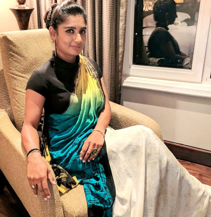 Rediff Cricket - Indian cricket - Cricket Buzz: Mithali set to write on her personal life