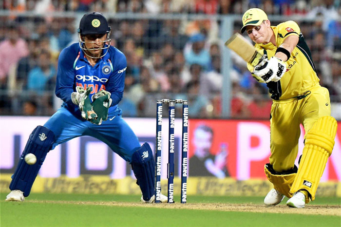 Rediff Sports - Cricket, Indian hockey, Tennis, Football, Chess, Golf - What cost Australia the 2nd ODI
