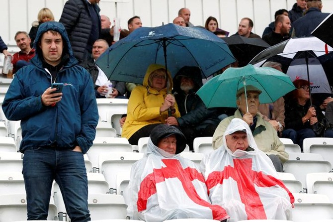 Rediff Sports - Cricket, Indian hockey, Tennis, Football, Chess, Golf - England-West Indies second ODI rained off