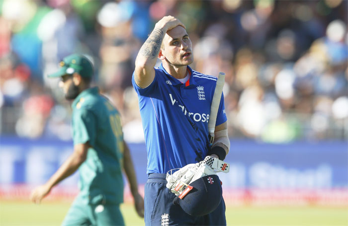 Rediff Sports - Cricket, Indian hockey, Tennis, Football, Chess, Golf - Cricket Buzz: Morgan urges ODI stars to opt for Ashes over T20 leagues
