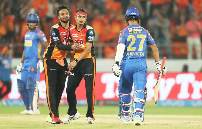 Rediff Cricket - Indian cricket - SRH v RR tie: The Turning Point