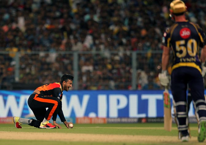 Rediff Cricket - Indian cricket - KKR vs Sunrisers: The Turning Point