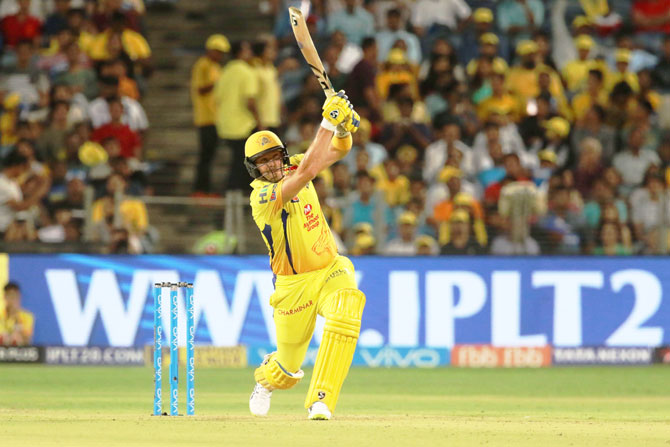 Shane Watson hammers the bowling while making 78 off 40 deliveries