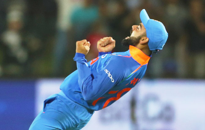 Rediff Sports - Cricket, Indian hockey, Tennis, Football, Chess, Golf - PHOTOS, 5th ODI: India comprehensively beat SA for historic series win