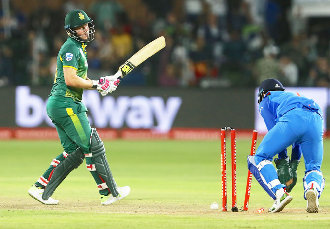 Rediff Sports - Cricket, Indian hockey, Tennis, Football, Chess, Golf - Why Proteas are getting tangled in spin web