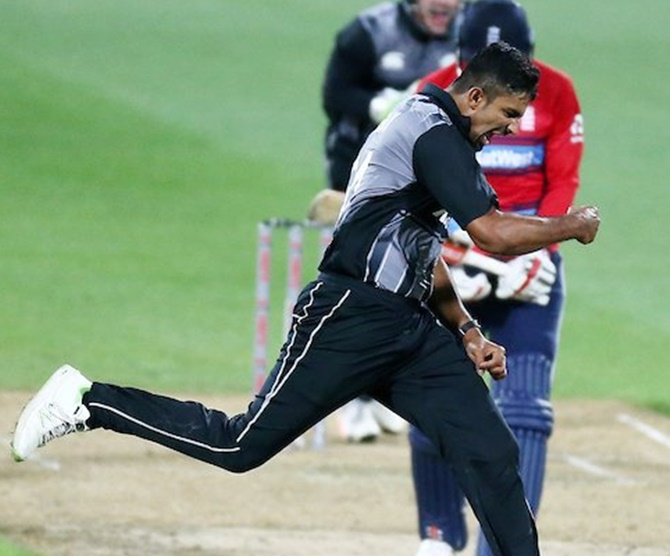 Rediff Sports - Cricket, Indian hockey, Tennis, Football, Chess, Golf - Boult strikes give New Zealand win over England