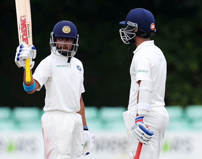 Rediff Sports - Cricket, Indian hockey, Tennis, Football, Chess, Golf - India 'A' struggling at 106/4 against England Lions