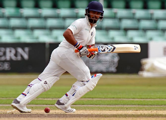 Rediff Sports - Cricket, Indian hockey, Tennis, Football, Chess, Golf - Karthik, Pant picked for England Tests; Bhuvneshwar 'being assessed'