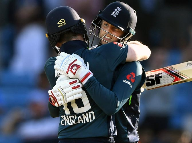 Rediff Sports - Cricket, Indian hockey, Tennis, Football, Chess, Golf - PHOTOS: Root's hundred powers England to series triumph